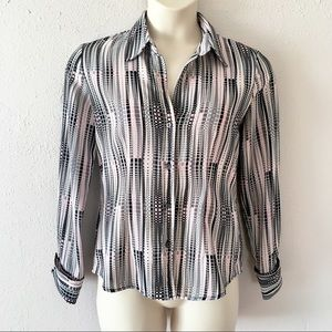 NY&Co classic career button down w/ cuffed sleeves